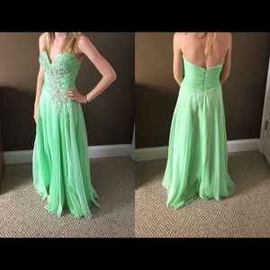 Green Formal/Prom Dress Size 0